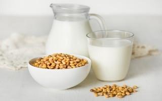 Latte di soia, di mandorla e di cocco:...