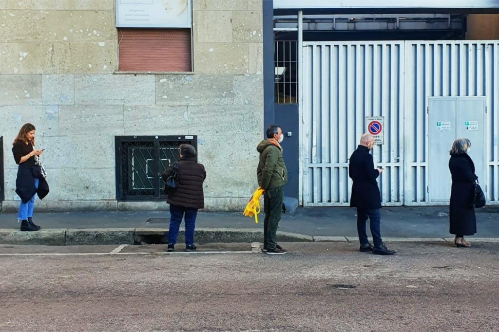 Spesa in quarantena: crescono pizza e camomilla nel carrello degli italiani