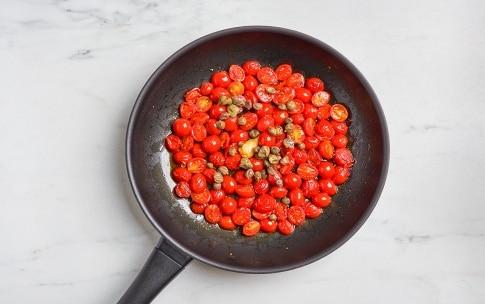 Preparazione Maccheroni con sgombro e pomodorini - Fase 1