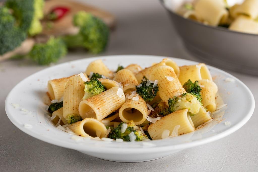 Mezze maniche broccoli, bottarga di tonno e pecorino