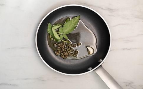 Preparazione Linguine con cernia e fiori di zucca - Fase 2