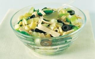 Ditali, spinaci e pinoli