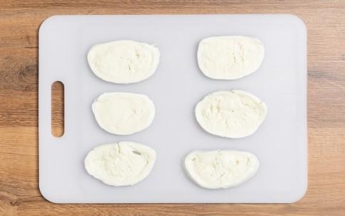 Preparazione Mozzarella in carrozza - Fase 1