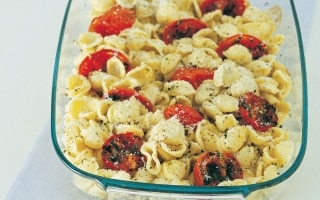 Orecchiette con pomodori al forno