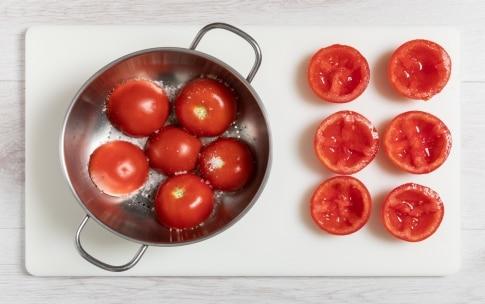 Preparazione Pomodori ripieni di insalata russa - Fase 1