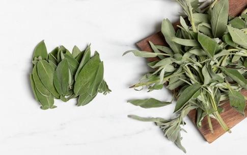 Preparazione Salvia fritta - Fase 1