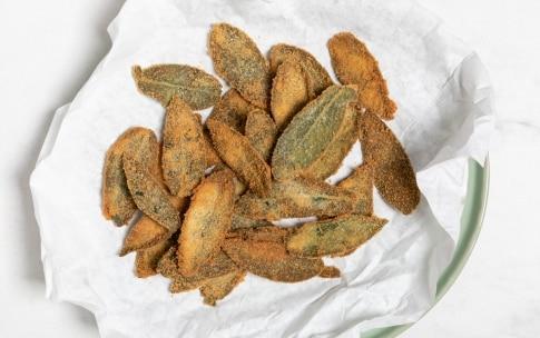 Preparazione Salvia fritta - Fase 2