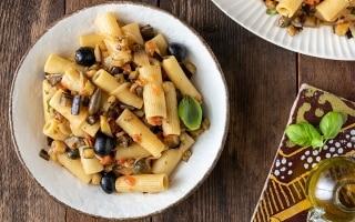 Insalata di pasta con caponata di verdure