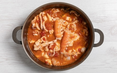 Preparazione Zuppa di pesce misto - Fase 2