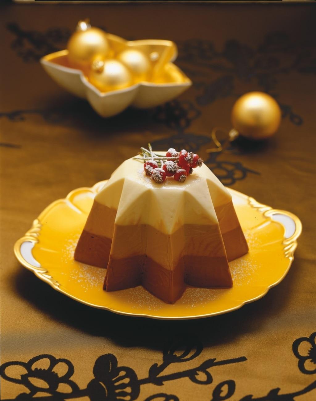 Bavarese di Natale ai tre cioccolati
