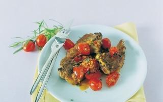 Costolette all'aglio con pomodorini