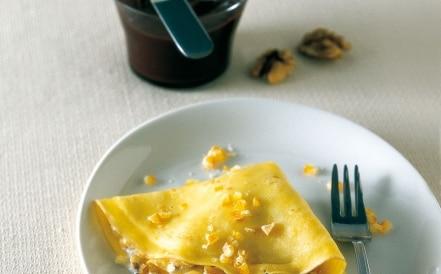 Crêpe alle noci con salsa al cioccolato