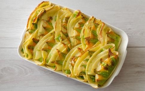 Preparazione Crêpes agli asparagi e fiori di zucca - Fase 4