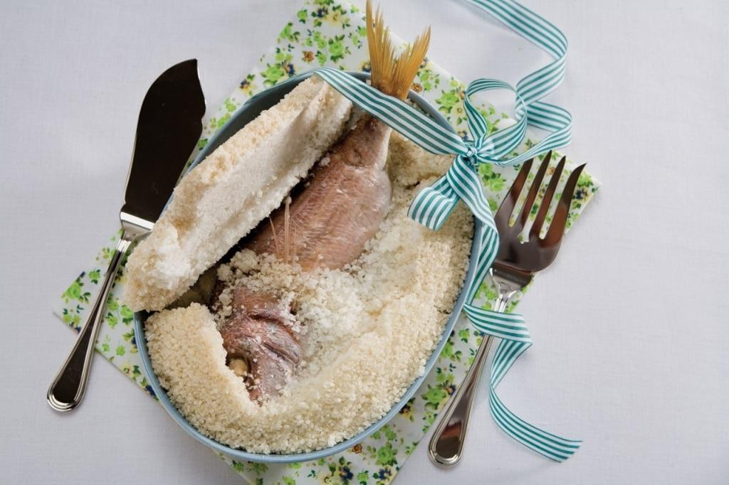Ricetta dentice in doppia crosta di sale cucchiaio d 39 argento for Cucinare dentice