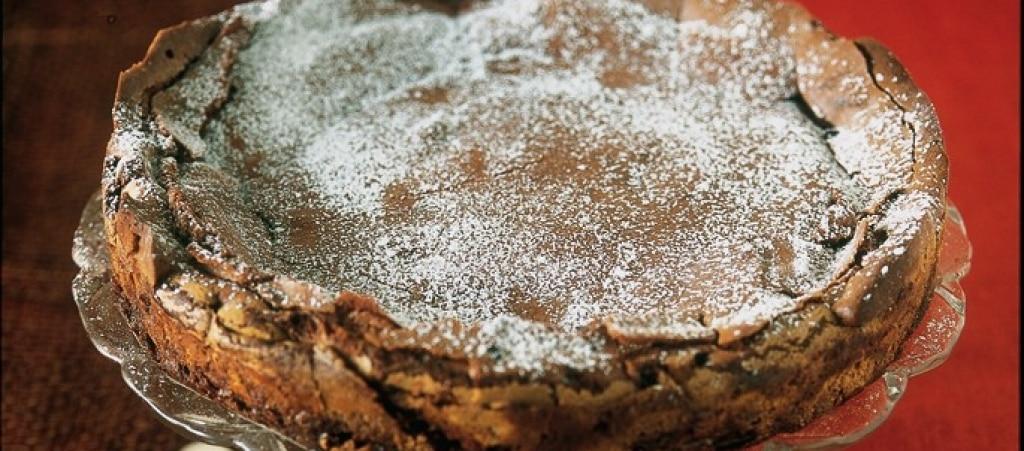 Torta al cioccolato con salsa al caramello