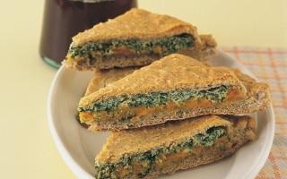 Focaccia ripiena di zucca, ricotta e spinaci