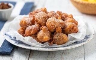 Frittelle di farina di castagne con le mele