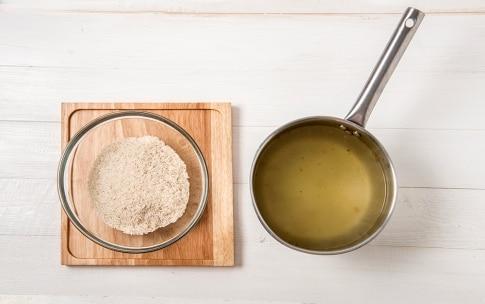Preparazione Insalata di riso basmati, salmone e spada affumicati - Fase 1