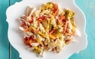 Insalata di pollo e peperoni in agrodolce