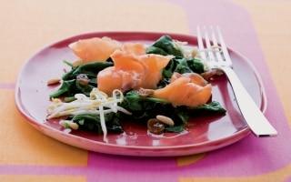 Insalata di salmone e spinaci