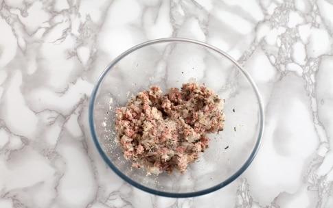 Preparazione Messicanini di vitello con cipolline e salsa al basilico - Fase 1