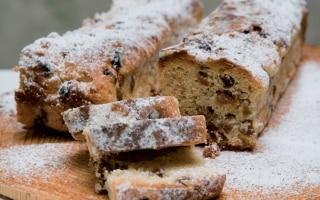 Pane con frutta secca alla tirolese