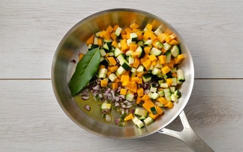 Preparazione Penne con lenticchie e ragù di verdure - Fase 2