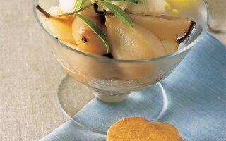 Pere cotte con gelato al Marsala e biscotti