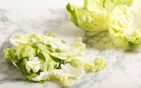 Preparazione Crema di lattuga con piselli, avocado e mazzancolle - Fase 2