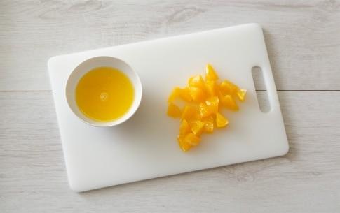 Preparazione Radicchio rosso con pere e arance - Fase 1