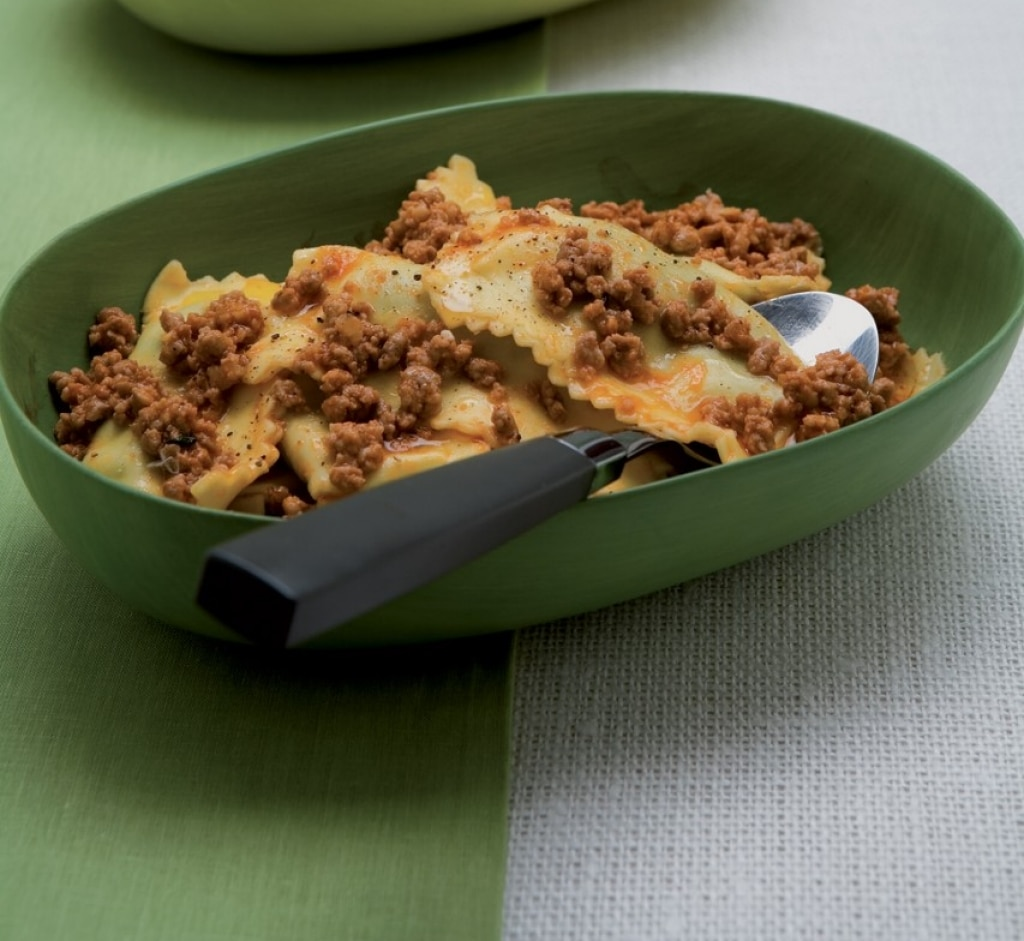 Ricetta ravioli di ortiche e spinaci cucchiaio d 39 argento for Cucinare ortica