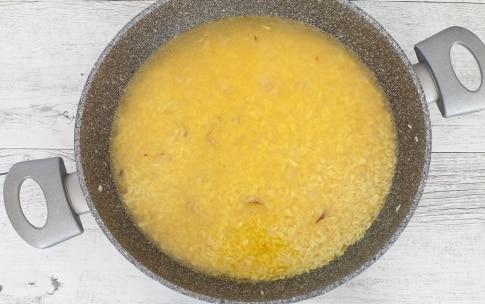 Preparazione Riso alla curcuma e frutta secca - Fase 2