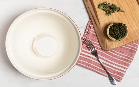 Preparazione Spaghetti alla ricotta ed erbe aromatiche - Fase 2