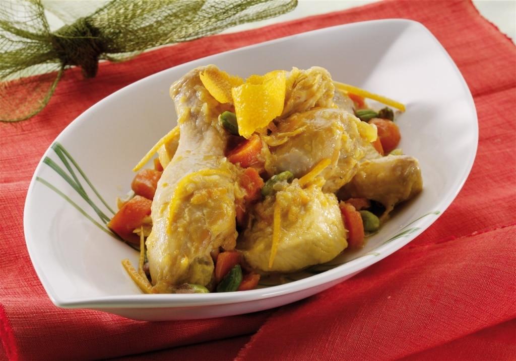 Spezzatino di pollo con julienne di arancia