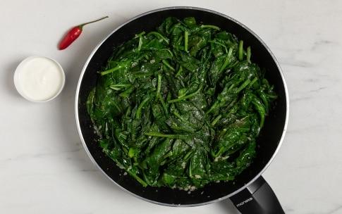 Preparazione Spinaci filanti al gorgonzola e pere - Fase 1