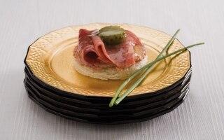 Tartine alla lingua salmistrata e foie gras