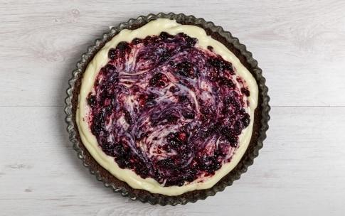 Preparazione Torta di briciole con crema - Fase 4