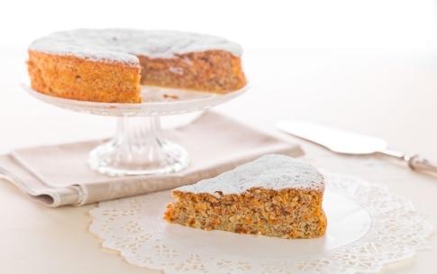 Preparazione Torta di carote senza glutine - Fase 3