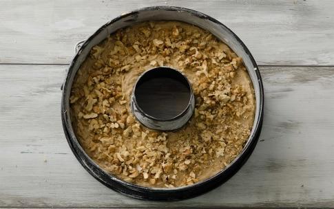 Preparazione Torta rustica di noci e caffè - Fase 4