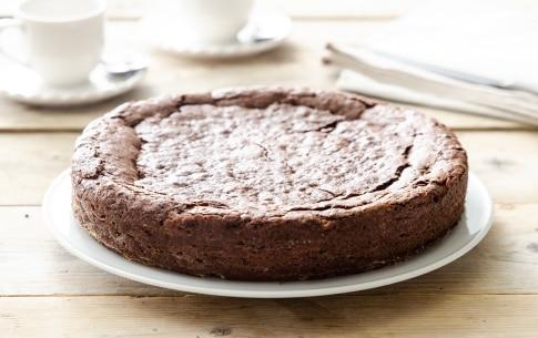 Preparazione Torta al cioccolato senza farina - Fase 5