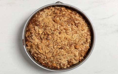 Preparazione Torta con zucchero di canna e mele - Fase 5