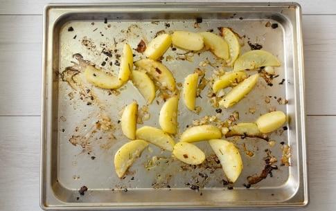 Preparazione Zucchine, patate e pomodori al forno - Fase 1