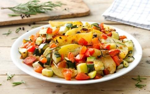 Preparazione Zucchine, patate e pomodori al forno - Fase 3