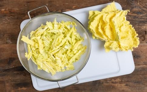 Preparazione Zuppa di cavolo verza e fagioli - Fase 1