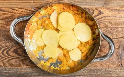 Preparazione Zuppa di fagioli e patate profumata al rosmarino - Fase 2
