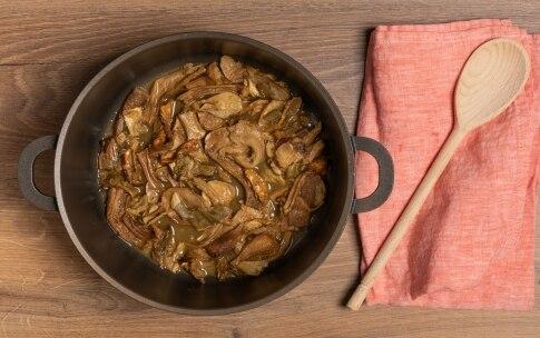Preparazione Pollo ai funghi - Fase 2