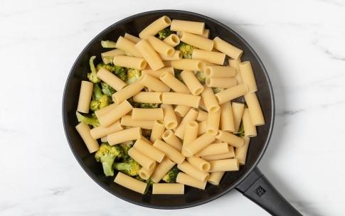 Preparazione Rigatoni con i broccoli - Fase 2