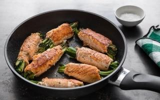Involtini di salmone, zucchine e zenzero