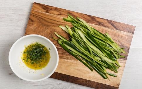 Preparazione Involtini di salmone, zucchine e zenzero - Fase 2