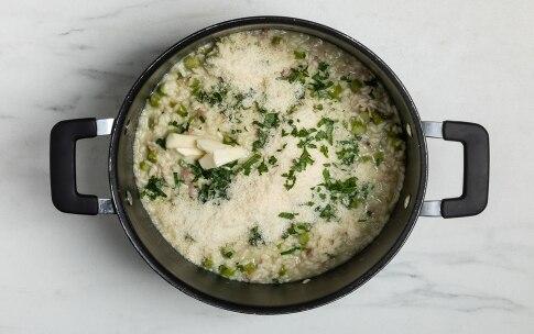 Preparazione Risotto con asparagi e pancetta - Fase 3